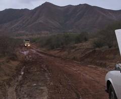 Duel (David Darricau) Tags: africa road mountain wet montagne mud madagascar 2012 piste afrique boue taxibrousse madaautomne2012 ambilobevohémar