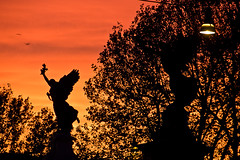 Sunset @ Rome, Angels? (Rob_el_dur) Tags: sunset pope vatican rome roma pantheon vaticano angels cupola tevere lungotevere angelo