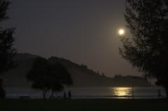 20121228-2460 (etlikesreeses) Tags: friends people usa moon beach hawaii unitedstates kauai kristen hanalei moonset hanaleibay thegardenisle hanaleibeach kauai2012