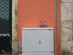 daqui, outra vez (*L) Tags: pink wall lisboa caixa lixo corderosa parede utilitybox rpoiaisdesbento estaesquina