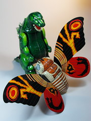Billiken Shokai  Tin Wind Up  Mothra ()  Box Sides  Fight!! (My Toy Museum) Tags: up tin wind godzilla mothra gojira billiken shokai