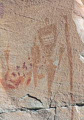 Pictographs at the Horseshoe Shelter Site / Horseshoe Canyon (Ron Wolf) Tags: utah nationalpark nativeamerican canyonlandsnationalpark horseshoecanyon archeology anthropology pictograph anthropomorph anthromorph barriercanyon