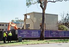 Frame 23-3.jpg (njcull) Tags: 35mm 400 504410 c41 canberra canoneos33 ef28105mmf3545usm film focal focal400 owenflats demolition lyneham australiancapitalterritory australia