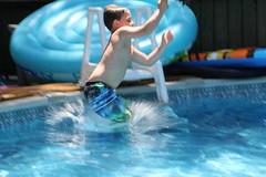 1E7A5440 (anjanettew) Tags: swimming diving kids pool summer fun twins sillykids splashing babypool