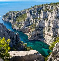 Calanque d'En-vau (daniel_58) Tags: em10 hdr lac lake nature omd ocean reflection reflet bateau boat landscape mer olympus sea