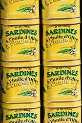 Sardinenturm (Seahorse-Cologne) Tags: tretat dpartementseinemaritime regionnormandie normandie sardinen konserven dosen sardines
