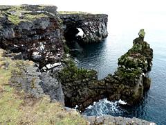 P1030811  Lava-Basaltkste an der Westspitze der Snaefellshalbinsel (margrit_gertrud) Tags: iceland snaefellsnes lavacoast hellisandur