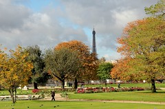 (claudiophoto) Tags: autumn panorama parco paris france verde green nature colors alberi canon landscape europa nuvole torre natura torreeiffel autunno colori francia paesaggi autumnscene parigi colorphotoaward panoramafotogrfico claudiophoto blinkagain autunnoparigino