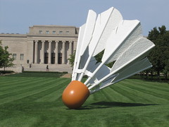 Shuttlecock, Nelson-Atkins Museum of Art (adollmeyer) Tags: city art museum nelson september missouri kansas atkins van shuttlecock oldenburg 2012 claes bruggen coojse