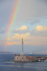 Arcoiris en Malta (lex Franco) Tags: iris sea colour arcoiris puerto atardecer boat mar barco monumento colores entrada estatua arco oceano bello