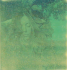 poca cosa rispetto a quello che abbiamo dentro (lafides) Tags: nature girl foglie polaroid leaf xp impossible friuli polaroidsx70 loredana impossibleproject