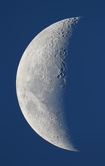 Twilight Moon (lrargerich) Tags: moon high october crescent astrophotography resolution astronomy hr dslr waxing 2012 moonscapes october2012