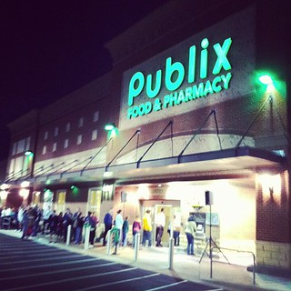 @Publix crowd flow
