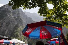 Erfrischung zwischendurch mit Blick auf den Watzmann (Teelicht) Tags: germany bayern deutschland bavaria berghütte alpinehut watzmann wimbachtal berchtesgadenerland canonefs1585mmf3556isusm wimbachschloss canoneos600d