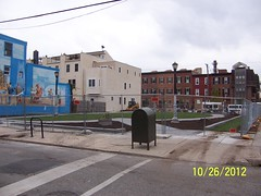 "2012.10.26 22nd  & Montrose • <a style=""font-size:0.8em;"" href=""http://www.flickr.com/photos/85073227@N04/8132091125/"" target=""_blank"">View on Flickr</a>"