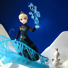 I'm Free! (Richard Zimmons) Tags: frozen doll designer barbie disney elsa collector dfdc snowqueenolaf