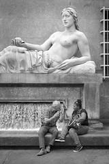 160618_SAM_7486 (Jan Jacob Trip) Tags: people bw italy white black window fountain statue stone wall torino streetphotography dora conversation turin itali turijn piazzacln umbertobaglioni