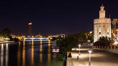 2016-06-20-002655-Editar (Fernando Garcia (Hirgon)) Tags: sevilla andaluca espaa torre oro puente rio noche nocturna luz guadalquivir rascacielos nuevo antiguo rivera orilla farolas