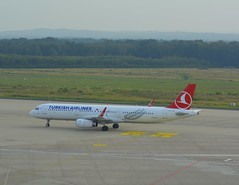 TC-JTK - Airbus A321-231 (Digi-Joerg) Tags: 14082016 internationalerverkehrsflughafen kölnbonnairport cgn turkishairlines airbusa321 erster flug13052008 heimatflughafenistanbul tc turkey