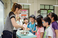 DSC_0601 (roger528852momo) Tags: 2016           little staff person explore summer camp hokuzine ever worker china youth corps ying qiao elementary school arduino robot food processing workshop taipei taiwan roger huang roger528852momo