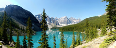 Moraine Lake Panorama (Stefan Jrgensen) Tags: valleyofthetenpeaks tenpeaks banffnationalpark canada 2013 sony dslra700 a700 trees bluesky mountains canadianrockies rockymountains reflection water lake morainelake moraine panorama