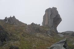 Krkevagge valley rock, North Lapland (Madde Elg) Tags: krkevagge geargevaggi gearggevaggi lapland lappland abisko lktatjkka mountainvalley fjlldal rockformation stenformation rock sten mist dimma