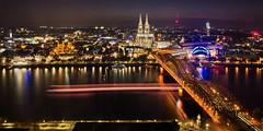 Dom am Rhein (uwe1904) Tags: architektur citylights deutschland lichter nachtaufnahmen pentaxk3 photokina stadtlandschaft blauestunde köln kirche kölnerdom nrw d