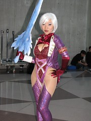 Isabella Valentine SoulCalibur cosplay - Stella Chuu (The Doppelganger) Tags: cosplay ivy cleavage comiccon soulcalibur nycc isabellavalentine newyorkcomiccon stellachuu
