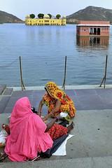 Jal Mahal - Jaipur - India (Joao Eduardo Figueiredo) Tags: travel pink woman india hot nikon women asia colours dress silk saree sari jaipur rajasthan pinkcity nikond3x