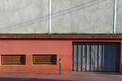 Beau devant, moche derrière (...::: Antman :::...) Tags: building back garage ruelle immeuble limoges arrière ef24105mmf4lisusm canoneos7d
