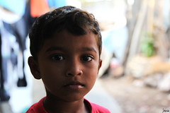 NNS_99 (_Spoutnik) Tags: portrait india streetportrait portraiture bombay mumbai slum inde bidonville bandraeast khareast nirmalnagar