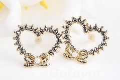Sparkling Rhinestone Heart&Bow Stud Earrings (Grand.Gofavor.Xie) Tags: heartearrings studearrings rhinestoneearrings bowearrings sparklingearrings gofavorcom 2013womenfashion allfashionearrings