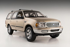 Ford Expedition XLT (SpeedHunter XxX) Tags: ford expedition car canon eos 350d ut model 4x4 models suv 118 xlt diecast