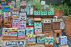 Favela (George De) Tags: london hornimanmuseum hornimangardens favela brick art