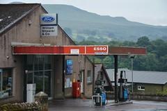 Esso, Balfron Stirling. (EYBusman) Tags: esso petrol gas gasoline filling service station garage balfron stirling scotland exxon mobil willian shearer ford eybusman