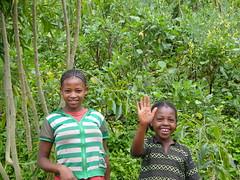 Hallo! (davidevarenni) Tags: etiopia ethiopia tribe trib foresta