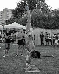 La verticale. (giuseppemontalto) Tags: vertical corpolibero verticale blackandwhite biancoenero nikonphotography nikon sport training