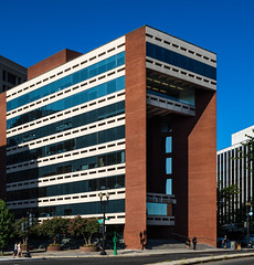 21 Dupont Circle (Chimay Bleue) Tags: brick brutalism brutalist design hartman cox glass dupont circle washington dc architects architecture wdc