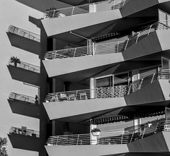 Balcons doubles (GastonGraphy) Tags: ombres sunrise balcons