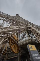 Torre Eiffel 13 (CarlosJ.R) Tags: pars torre torreeiffel eiffel francia