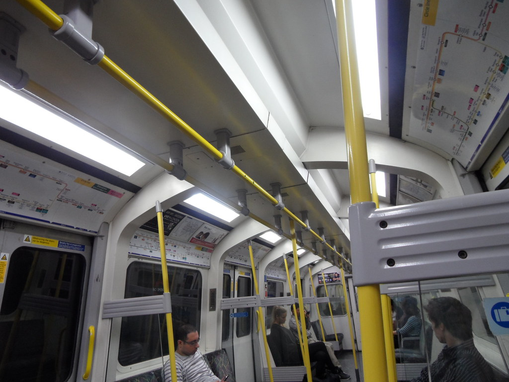 The world 39 s best photos of car and londonunderground for Subway vigo