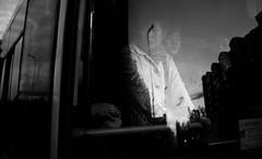 哈尔滨 (SinoLaZZeR) Tags: china street blackandwhite heilongjiang blackwhite fuji streetphotography finepix fujifilm 中国 schwarzweiss 黑白 harbin haerbin 人 哈尔滨 黑龙江 x100 公共汽车