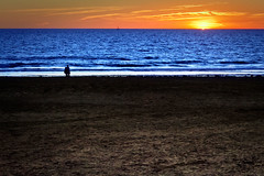 Contrastes (Franci Esteban) Tags: atardecer 50mm andalucía playa arena 7d cádiz atlántico tarifa loslances 50mm118ii eos7d canoneos7d