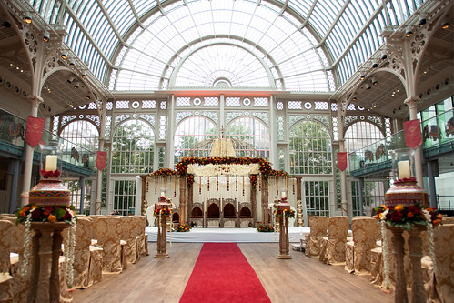 A wedding in The Paul Hamlyn Hall. © ROH