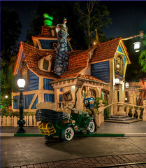 "Goofy's Playhouse - Toontown - Disneyland • <a style=""font-size:0.8em;"" href=""http://www.flickr.com/photos/85864407@N08/8146257090/"" target=""_blank"">View on Flickr</a>"