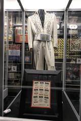 LIVE! (Pete Zarria) Tags: tennessee graceland elvis goldrecord music legend king rock roll creole jailhouse blues gospel vegasbaby tcb lisamarie