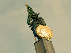 Soviet Memorial - Vienna (only lines) Tags: soviet memorial russian ww2 vienna austria
