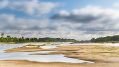 Douce Loire (Bertrand Thifaine) Tags: loire fleuve t lot plage sable ciel nuages douceur poselongue nd1000 d750 marebasse
