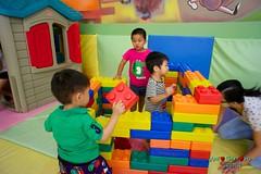DSC07852 (1) (Shun Daddy) Tags: life travel family summer portrait prime sony snapshot taiwan    16mm   2012     nex  nex5