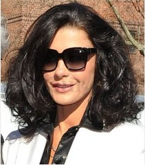 Celebrity Catherine Zeta Jones 's long Hairstyle Custom (Sourcewill.com) Tags: celebrity beauty fashion wig wigs beautyhair lacewigs fulllacewigs celebritywigs celebritylacewigs celebrityshairstyle